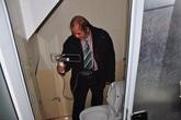 Máy báo có cốt người trong nhà vệ sinh TMV Cát Tường