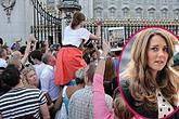 Công nương Kate hạ sinh bé trai trong niềm vui vỡ òa của vương quốc Anh