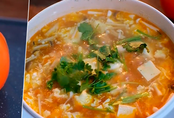 Cách nấu canh cà chua nấm 'trong một nốt nhạc'