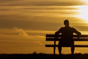 """Hôn nhân bên vực thẳm vì thường xuyên """"quên chồng"""""""