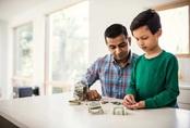 6 sai lầm của cha mẹ khi dạy con về tiền bạc