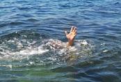 """Học trò chết đuối khi đi ngoại khóa: Xin đừng """"đùa"""" với... nước!"""