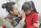 """Mới sáng sớm con gái xin nghỉ học vì 1 lý do, mẹ Hà Nội có quyết định khiến chồng phản đối kịch liệt nhưng nghe giải thích chỉ biết """"câm nín"""""""