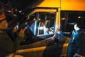 Tài xế cố thủ, livestream trong xe bị xử phạt 44 triệu đồng