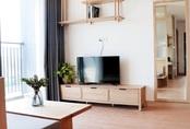 Căn hộ 72m² cực ít đồ đạc vẫn đẹp tinh tế và tiện dụng nhờ thiết kế nội thất thông minh và áp dụng triệt để lối sống tối giản ở Sài Gòn