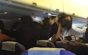 Lại xảy ra đánh lộn trên máy bay