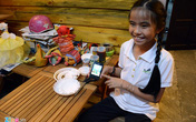 Cô bé 9 tuổi mở quán cà phê độc đáo tại Sài Gòn