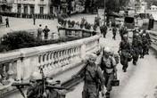 Giải phóng Thủ đô qua những bức ảnh của 60 năm trước