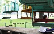 Khiếp vía với những trò chơi cũ nát ở công viên giữa Hà Nội