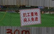 Cảnh báo tại công trình đường sắt trên cao: Tiếng Trung lấn át tiếng Việt