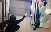 Bé 5 tuổi may mắn sống sót sau tai nạn thang cuốn ở trung tâm thương mại