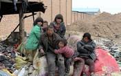 Rơi nước mắt cảnh cả gia đình 20 năm sống trên bãi rác