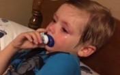 Bé 2 tuổi khóc ròng đòi tranh cử tổng thống Mỹ