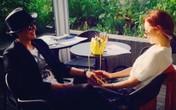 Ảnh hẹn hò của Bae Yong Joon và bạn gái gây sốt