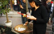 Những điều cần lưu ý khi đi đền, chùa đầu năm
