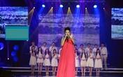 Mang bầu tháng thứ 5, Thu Minh bị choáng khi biểu diễn