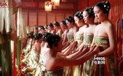 3 bộ phim châu Á gây gốc với cảnh khoe ngực của hàng ngàn người đẹp