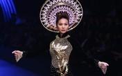 Thanh Hằng mặc áo dài dát vàng giá 1,2 tỷ đồng