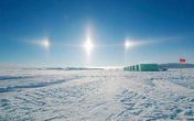 """Hiện tượng lạ: 3 """"mặt trời"""" xuất hiện cùng một lúc"""