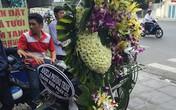 Angela Phương Trinh gửi hoa viếng muộn, vợ Duy Nhân nghĩ mọi chuyện là mơ