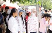 Kỳ thi THPT Quốc gia 2015: Con trẻ đi thi, mẹ cha phát sốt