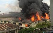Hà Nội: Khói lửa ngút trời trong vụ cháy gần nhà máy ô tô