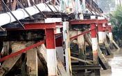 Xà lan đâm rung chuyển cầu sắt, nhiều người ngã nhào