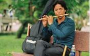Bài học niềm tin từ chàng trai mù thổi sáo