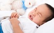 Trẻ khóc không ra nước mắt cần đưa ngay đến viện