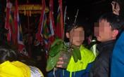 Cướp lộc ở lễ hội Khai ấn Đền Trần: Văn hóa tâm linh hay cuồng tín?