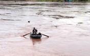 Cặp vợ chồng bị lật thuyền chết trong cơn dông