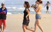 """Tranh cãi về mặc bikini ở Đà Nẵng: """"Người đi tắm họ muốn giữ nhân phẩm nữa, phải tôn trọng""""!"""