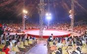 1500 khán giả Sơn Tây đội mưa xem xiếc sau sự cố sập rạp xiếc ở Hải Dương