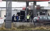 Bao vây 2 nghi phạm vụ thảm sát đẫm máu tòa soạn báo ở Paris