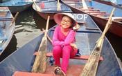 Vừa tới Hà Nội, Phương Mỹ Chi đã tranh thủ đi lễ chùa