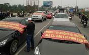 Nghệ An: Dân mang xe ô tô chặn cầu phản đối trạm thu phí