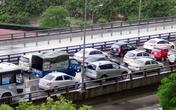 """Hà Nội: Hàng nghìn ô tô """"chết cứng"""" ở đường trên cao"""