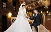 MC Hồng Phượng và Quốc Cơ chụp ảnh cưới trong lâu đài cổ