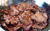 Thịt bò khô tẩm sả ớt cho chàng nhâm nhi