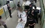 Nữ sinh Trung Quốc hắt nước vào người nhân viên hải quan tại sân bay