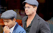 Brad Pitt dẫn các con đi mua quà tặng Angelina Jolie