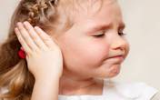 Giúp trẻ đỡ đau tai bằng bấc sâu kèn