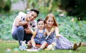 Ngày gia đình, Khánh Thi hạnh phúc khoe chồng, con