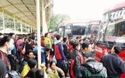 Vé xe khách dịp Tết Nguyên đán: Hành khách lo phụ thu đội giá gấp đôi