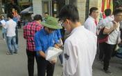 Thi THPT Quốc gia: Nhiều thí sinh quên thẻ dự thi, đồ dùng trong môn Toán