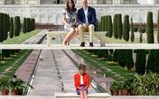Sau 24 năm, vợ chồng Hoàng tử William đã có bức ảnh ở đúng nơi Công nương Diana tạo dáng