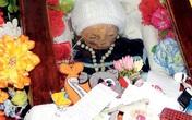 Thi hài em bé tự bật nắp quan tài sau 7 năm chôn cất
