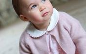 Công chúa nhỏ nước Anh xinh xắn trong loạt ảnh mừng sinh nhật đầu tiên