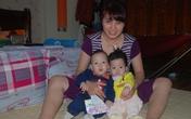 Vui Tết cùng cặp song sinh nhẹ cân nhất Việt Nam