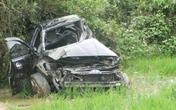 Một hiệu trưởng chết thảm khi tàu hỏa đâm nát ô tô